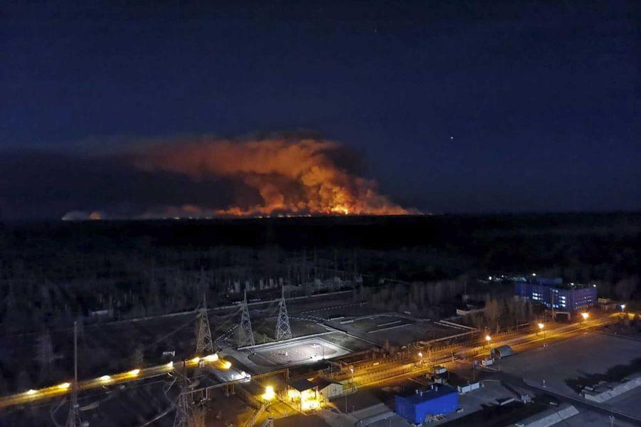 Une photo prise depuis le toit de la centrale nucléaire de Tchernobyl, le 12 avril