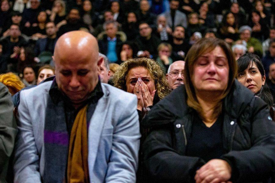 Un hommage a été rendu, dimanche à Toronto, aux victimes du crash en Iran.