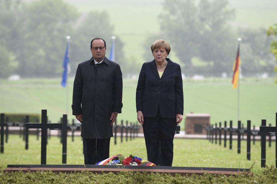 Dimanche matin, dans le cimetière allemand de Consenvoye