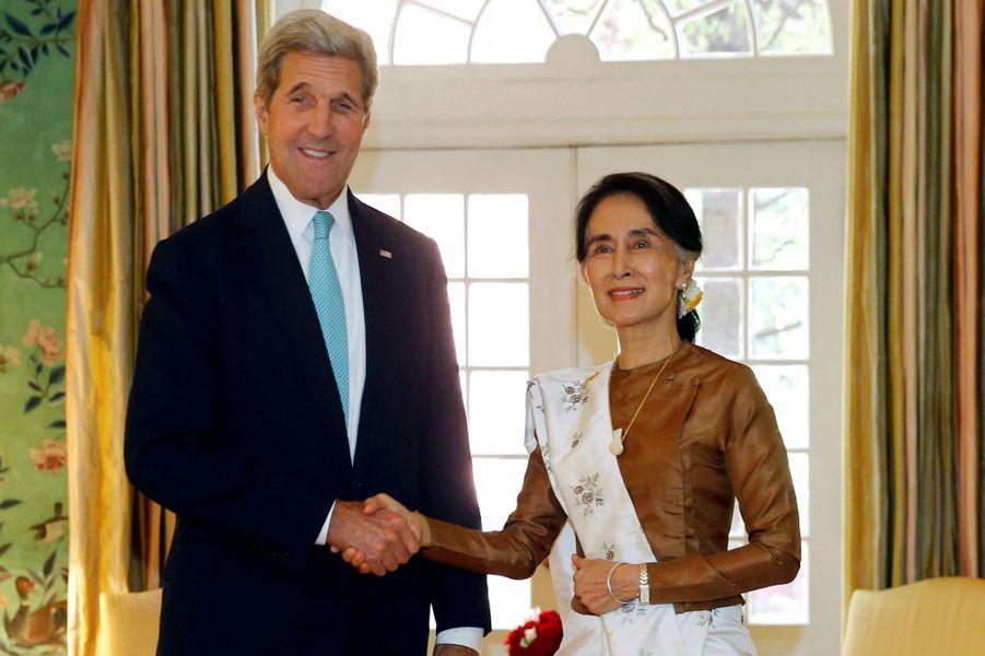 Aung San Suu Kyi et John Kerry à Washington, le 14 septembre 2016.