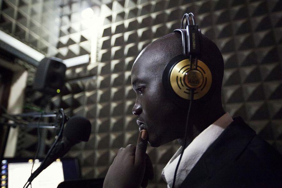 Enregistrement d'une émission de radio matinale à Juba (mai 2012)