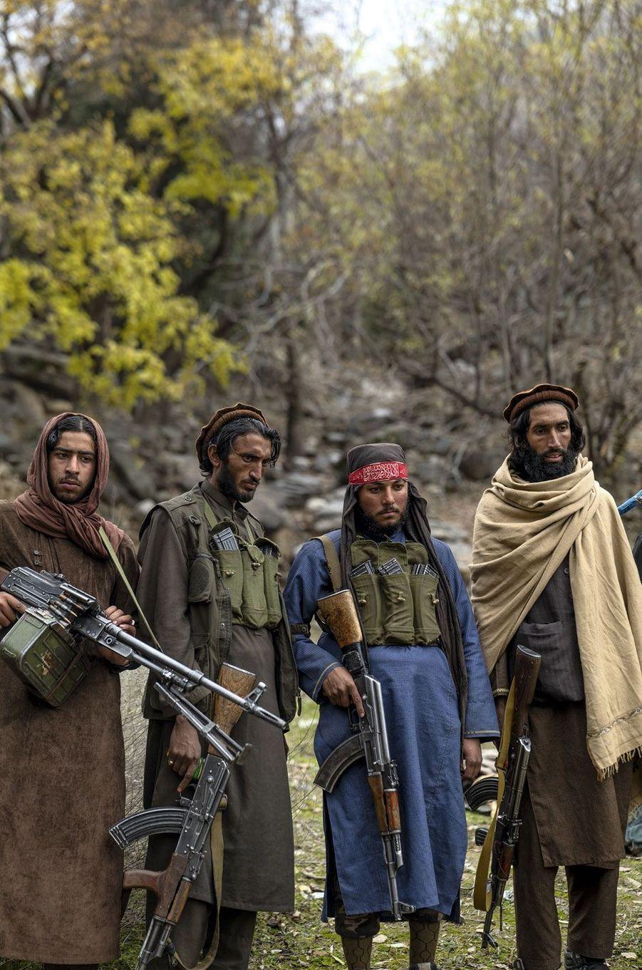Les montagnes de Khogyani offrent un abri contre les frappes américaine