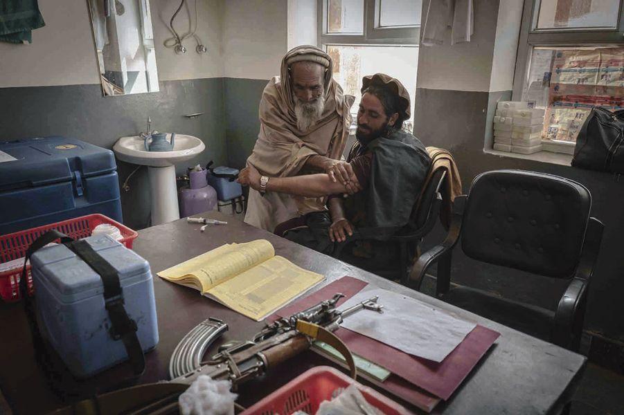 Dans une clinique de la province du Nangarhar dirigée par les talibans.