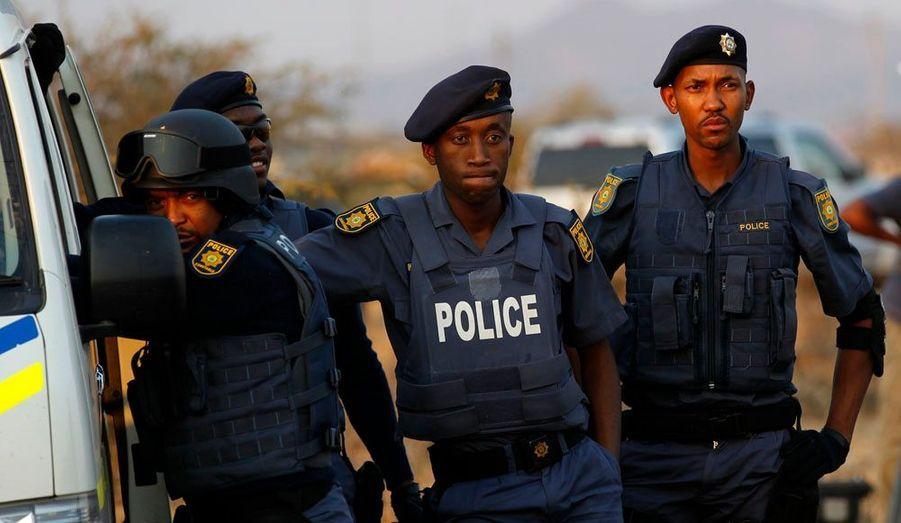 De nombreux policiers étaient mobilisés sur le terrain, dont des troupes anti-émeutes. Des blindés ont même été réquisitionnés.