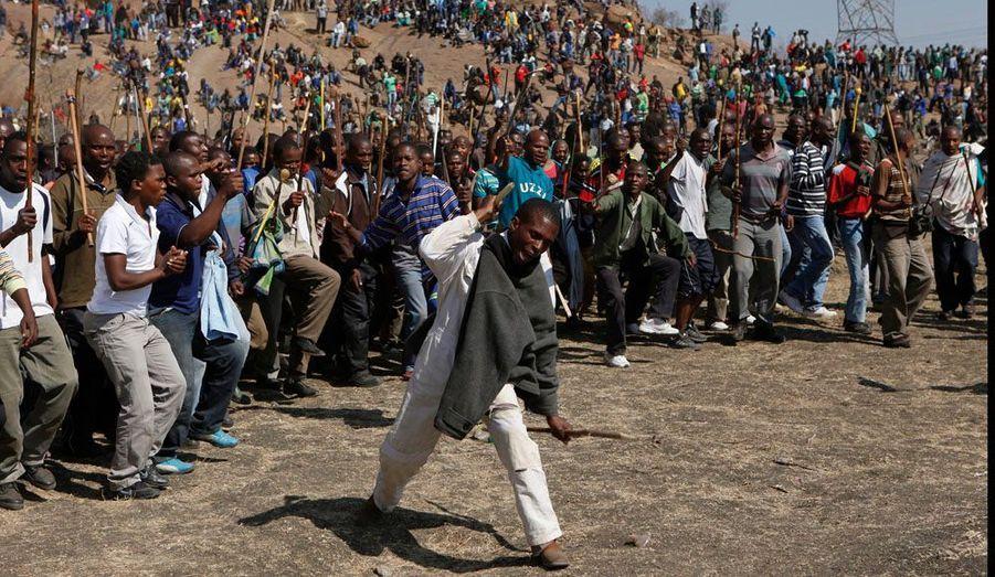 Des affrontements entre les deux syndicats, avaient dégénéré y a une semaine à Marikana et fait dix morts, dont deux policiers.