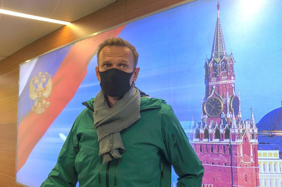 Alexeï Navalny s'exprime dès son arrivée à Moscou.