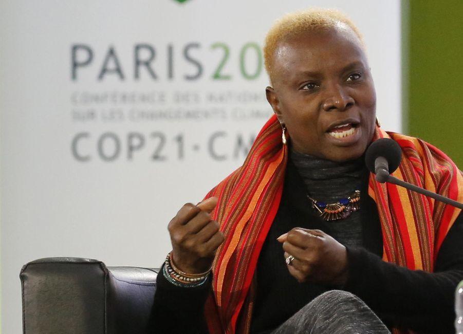 Angelique Kidjo à la COP21 au Bourget en décembre 2015