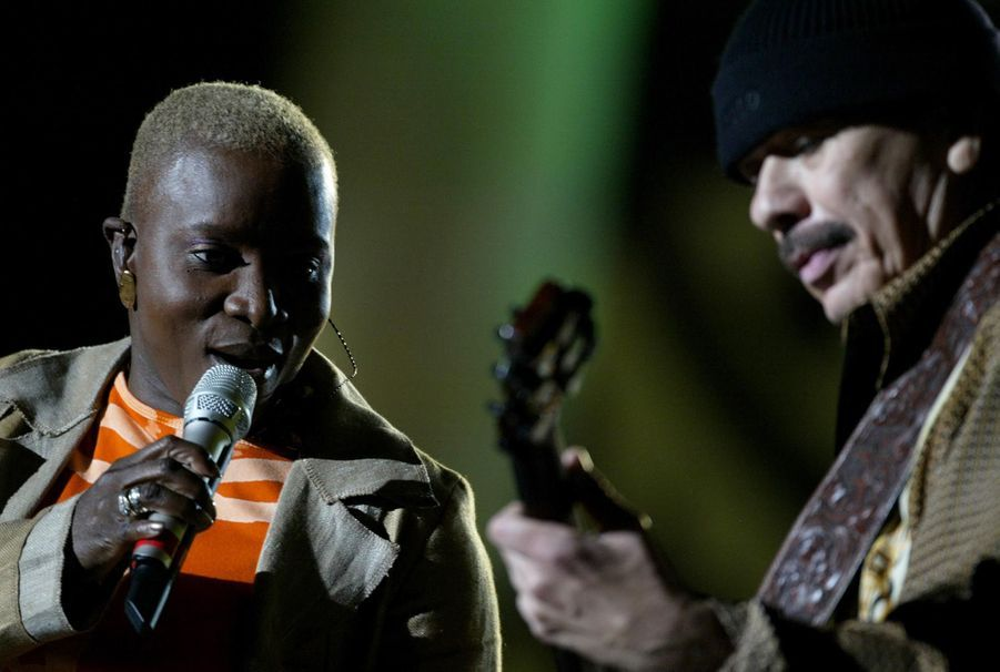 Angelique Kidjo avec Carlos Santana en 2004
