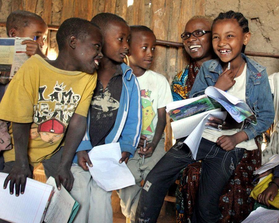 Angelique Kidjo en campagne en Ethiopie pour l'Unicef en 2005