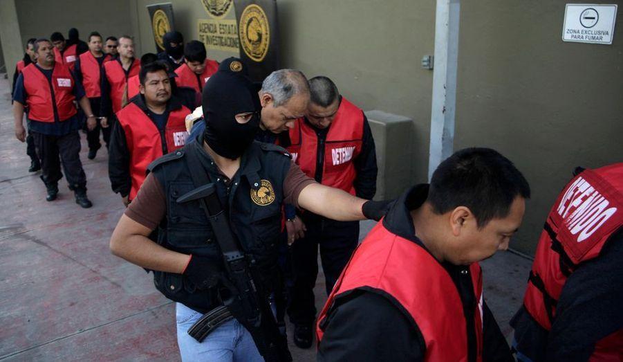 Si les meurtriers sont toujours en fuite, les complices paieront devant la justice mexicaine.
