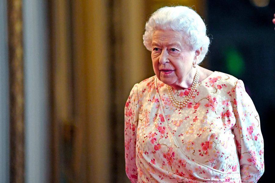 La reine Elizabeth II d'Angleterre, 93 ans.