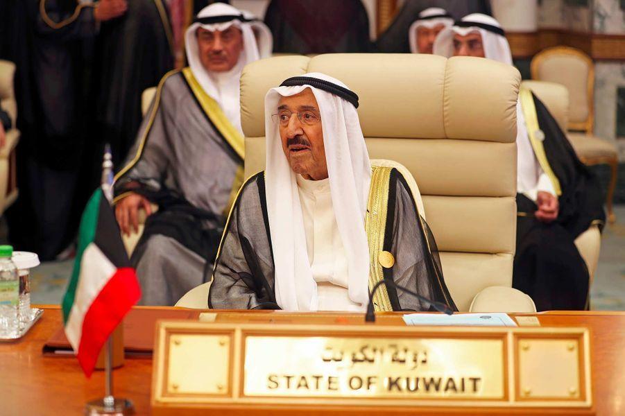 L'émir du KoweïtCheikh Sabah Al-Ahmad Al-Sabah, 90 ans.