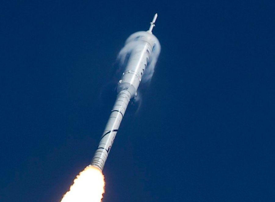 Lancement sans encombre pour la fusée américaine, qui a effectué, comme prévu, un vol test de deux petites minutes.