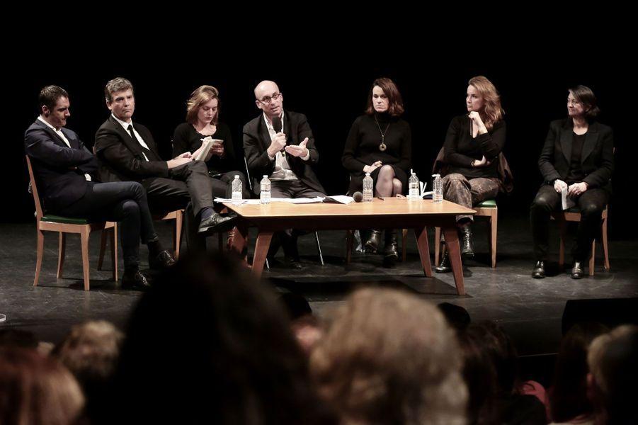Arnaud Montebourg, au côté de sa compagne Aurélie Filippetti, a rencontré lundi soirdes acteurs culturels.