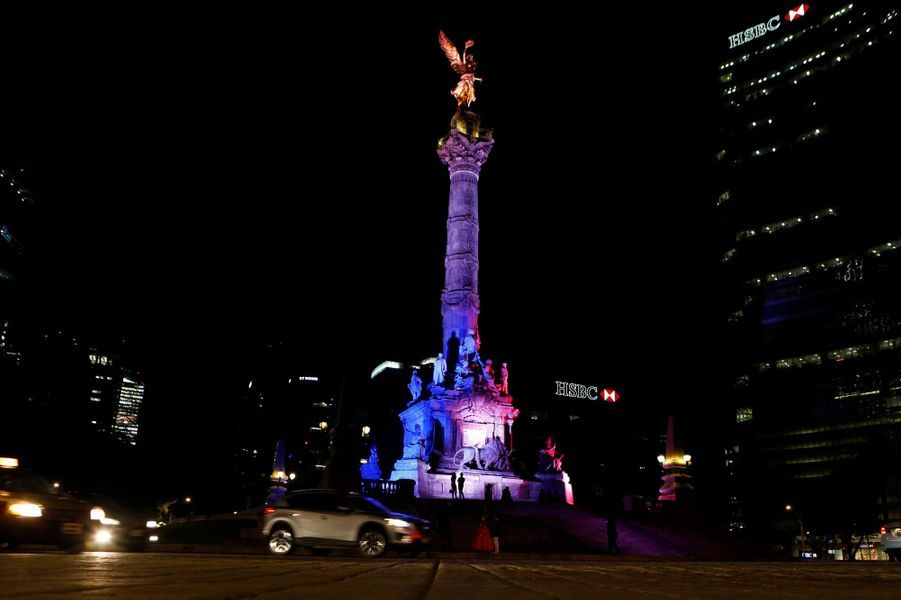 L'Ange de l'Indépendance, à Mexico City, jeudi soir