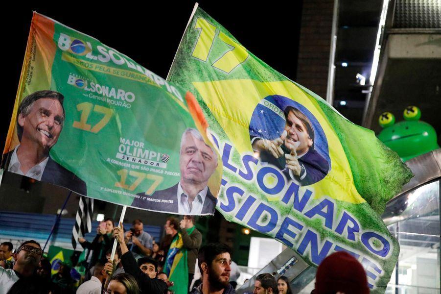 Les partisans de Jair Bolsonaro fêtent son élection à Sao Paulo, le 28 octobre 2018.