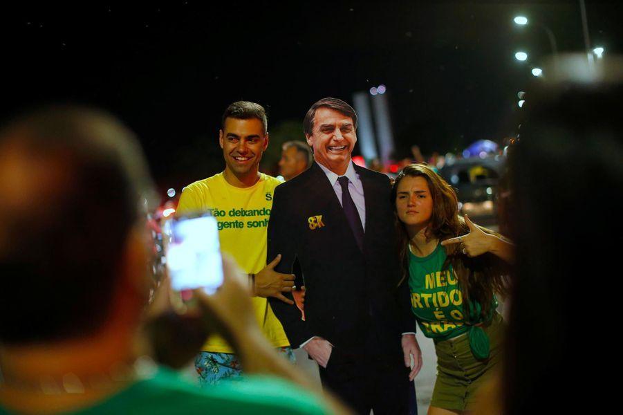 Les partisans de Jair Bolsonaro fêtent son élection à Brasilia, le 28 octobre 2018.