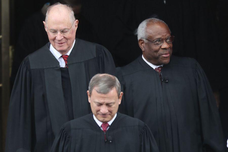 Les juges de la Cour suprêmeà l'investiture de Donald Trump, le 20 janvier 2017.