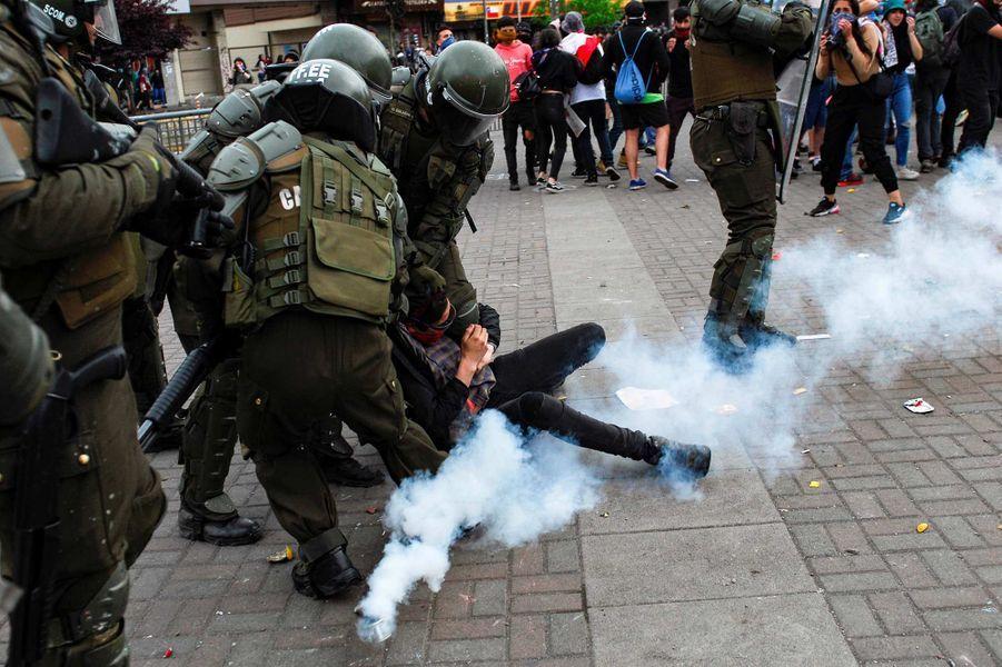 Manifestation à Santiago, au Chili, le 25 octobre 2019.