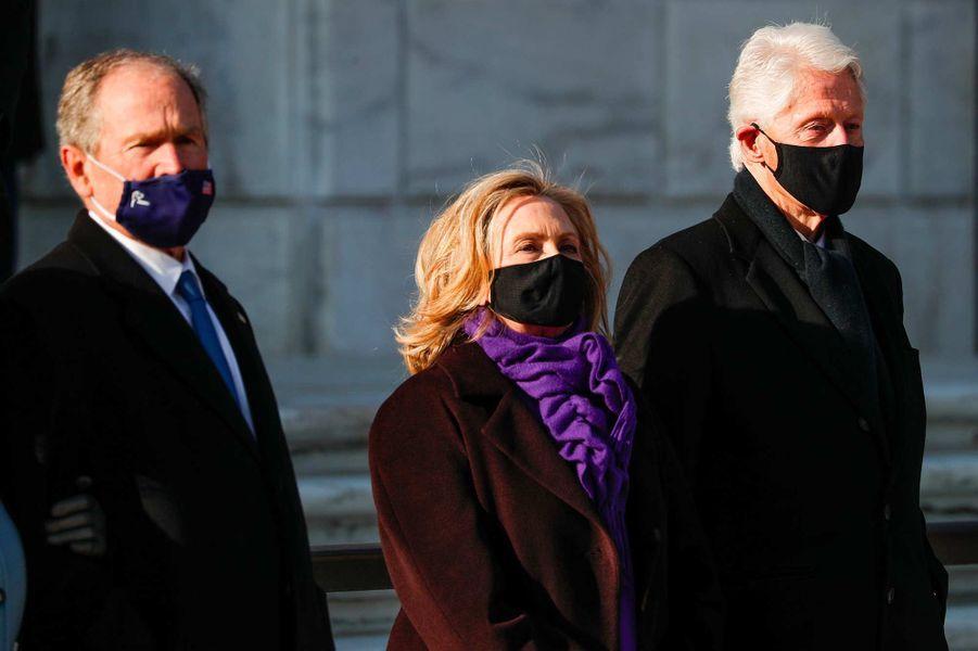 George W. Bush, Hillary et Bill Clinton au cimetière national d'Arlington, le 20 janvier 2021.