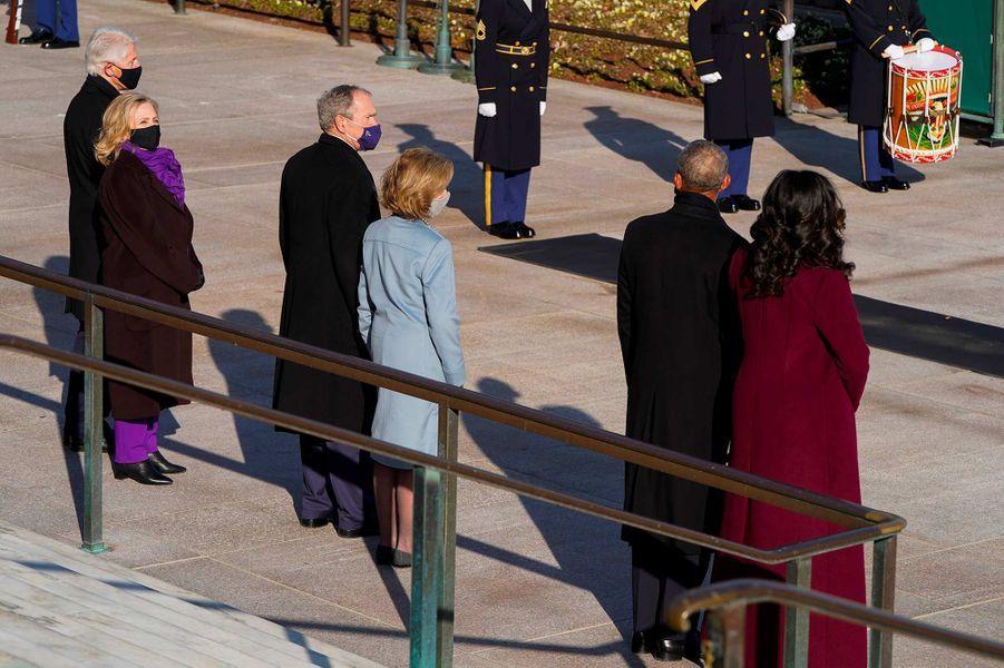 Bill et Hillary Clinton, George W. et Laura Bush, Barack et Michelle Obamaau cimetière national d'Arlington, le 20 janvier 2021.