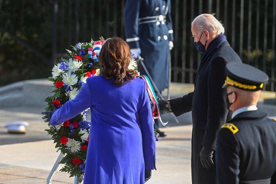 Kamala Harris et Joe Bidenau cimetière national d'Arlington, le 20 janvier 2021.