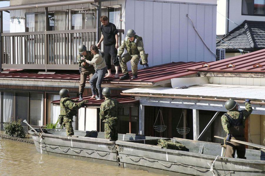 Des habitants d'une habitations secourus àKakuda