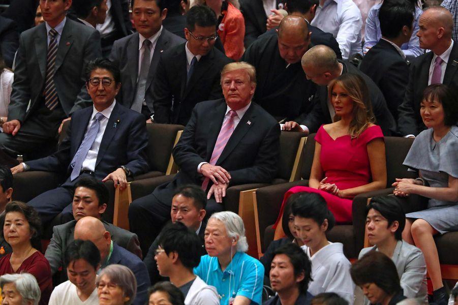 Donald et Melania Trump à un tournoi de combats de sumo à Tokyo, le 26 mai 2019.