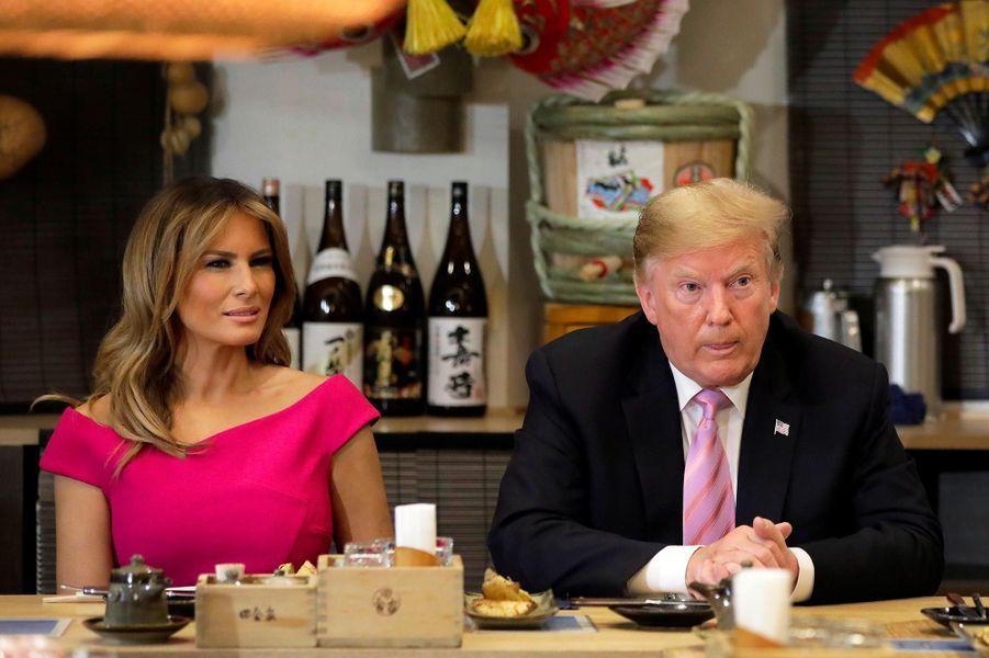 Donald et Melania Trump à un dîner avec Akie et Shinzo Abe à Tokyo, le 26 mai 2019.