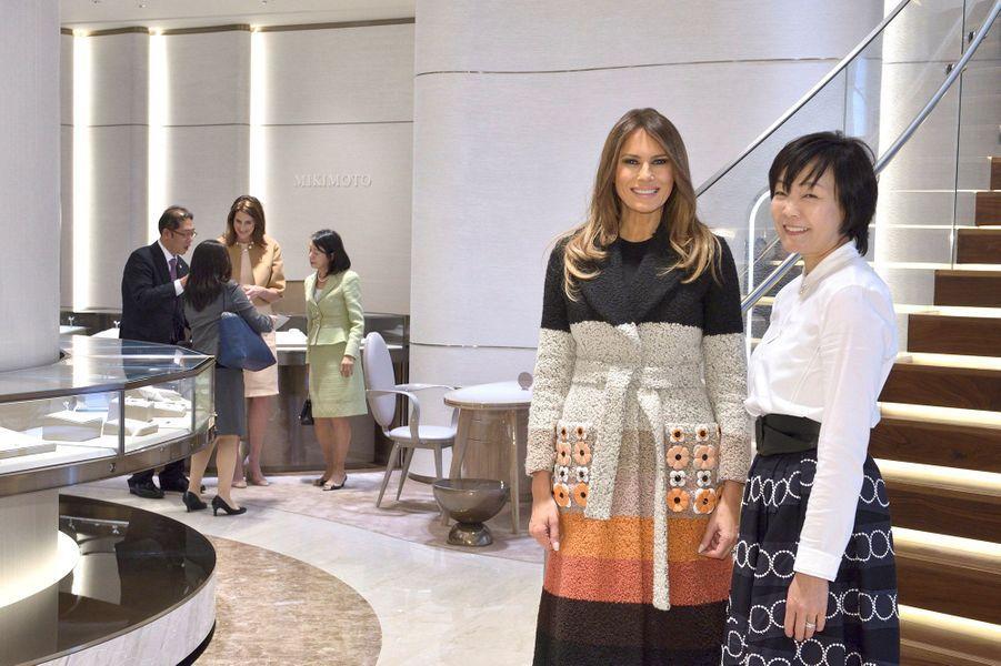 Melania Trump a visité une joaillerie avec la femme du premier ministre japonais.