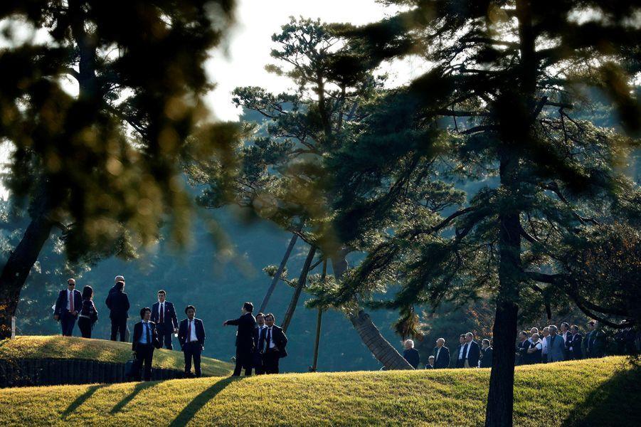 Donald Trump a joué au golf avec le premier ministre japonaisShinzō Abe.