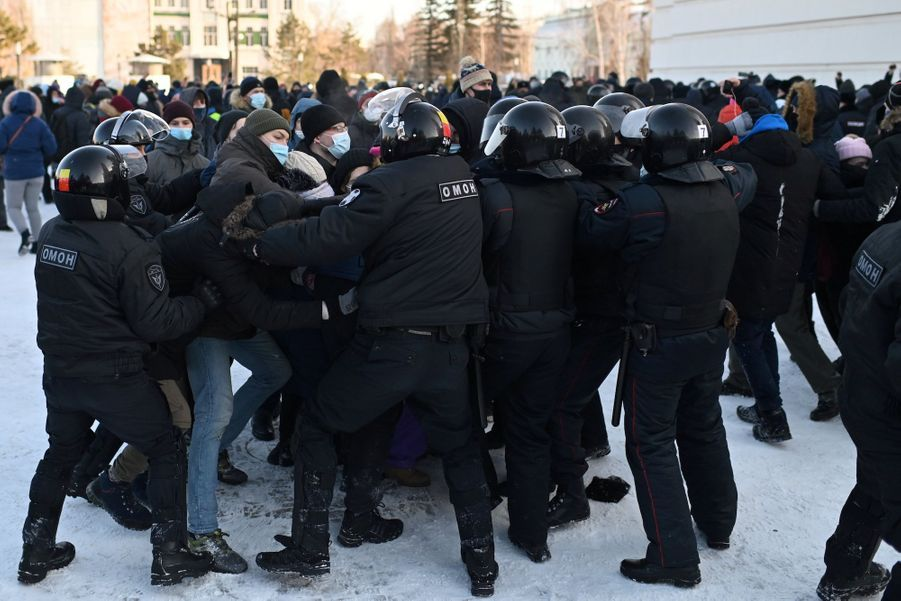 2021 01 31T102940Z 411981581 RC2YIL98BO3C RTRMADP 3 RUSSIA POLITICS NAVALNY PROTESTS