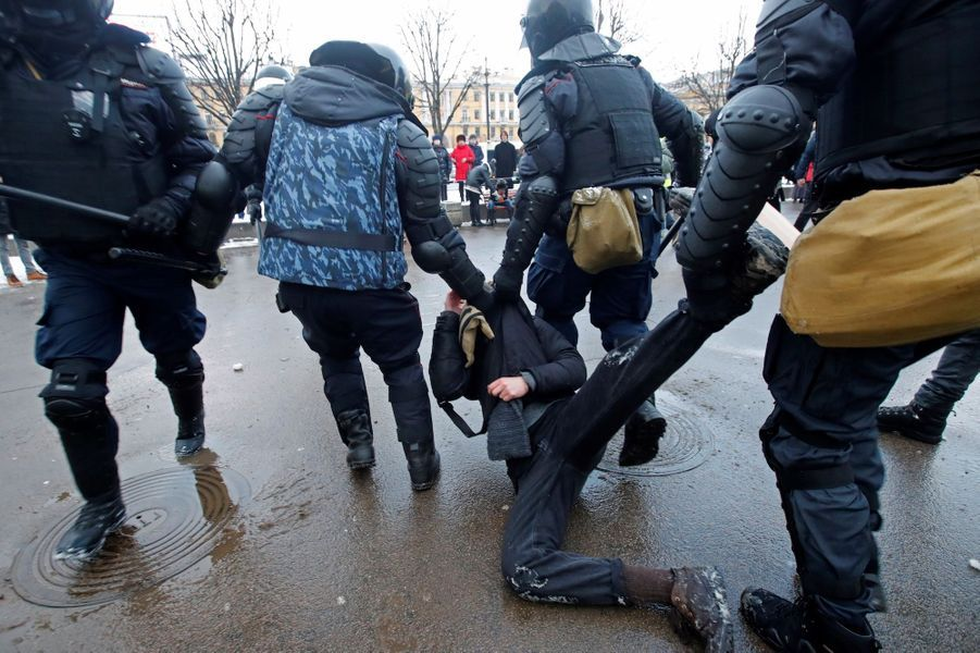2021 01 31T111643Z 1327835636 RC2ZIL988AMJ RTRMADP 3 RUSSIA POLITICS NAVALNY PROTESTS