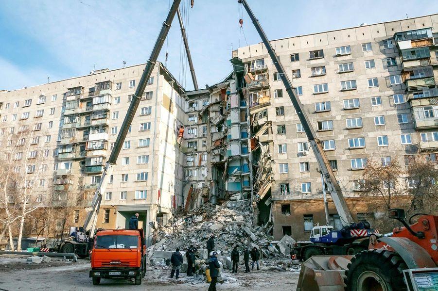 L'explosion d'un immeuble due au gaz àMagnitogorsk, en Russie, a causé la mort d'au moins 37 personnes.