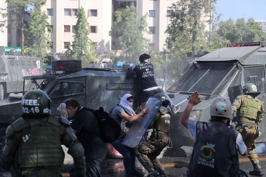 Le Chili est le théâtre de violentes émeutes depuis plusieurs jours.