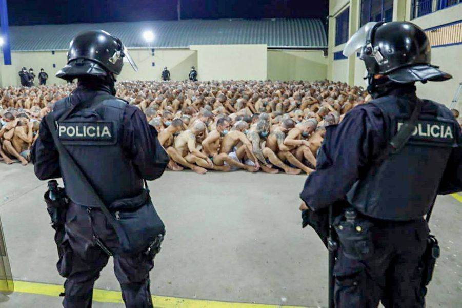 Image prise dans la prison d'Izalcoet partagée par le président salvadorienNayib Bukele.