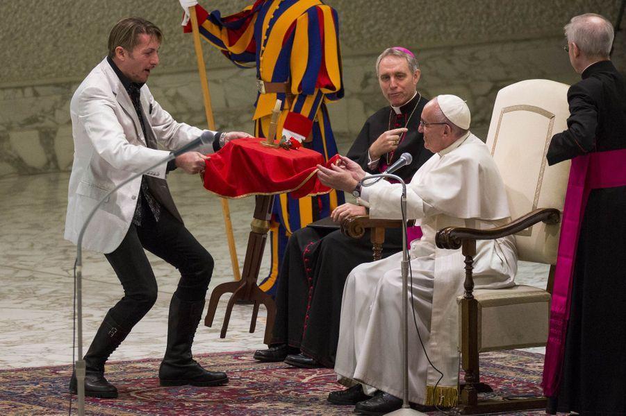 Le pape François au Vatican, le 28 décembre 2016.
