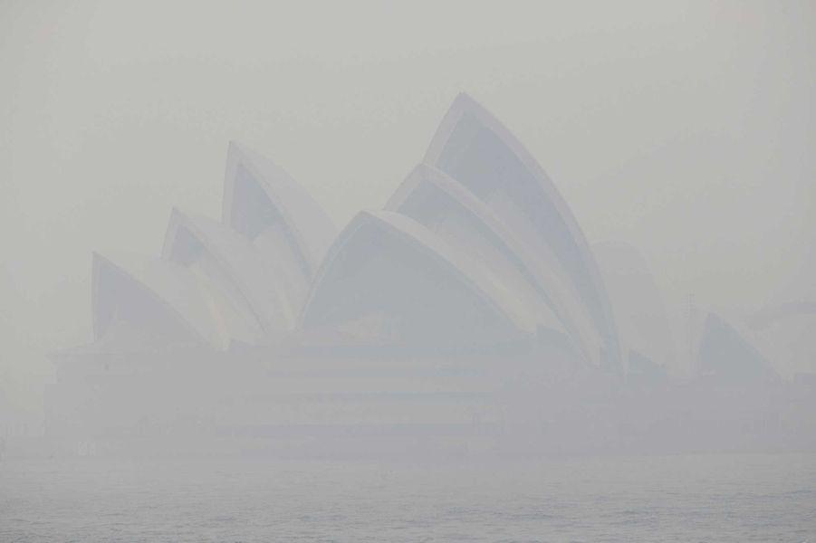 Urgence sanitaire : Sydney suffoque sous des fumées toxiques