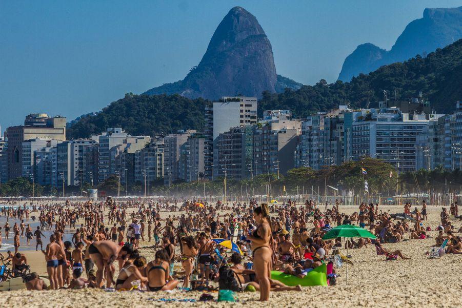 La plage de Leme à Rio de Janeiro au Brésil dimanche 19 juillet.
