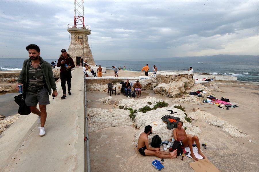 Une plage de Beyrouth (Liban), le 12 mars.