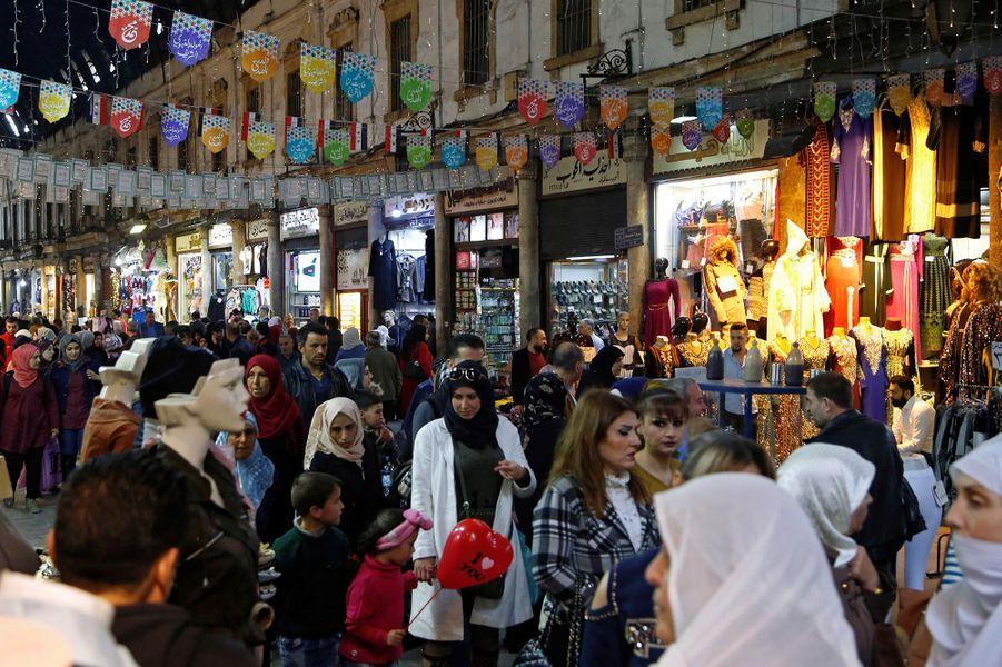 Un souk à Damas (Syrie), le 12 mars.