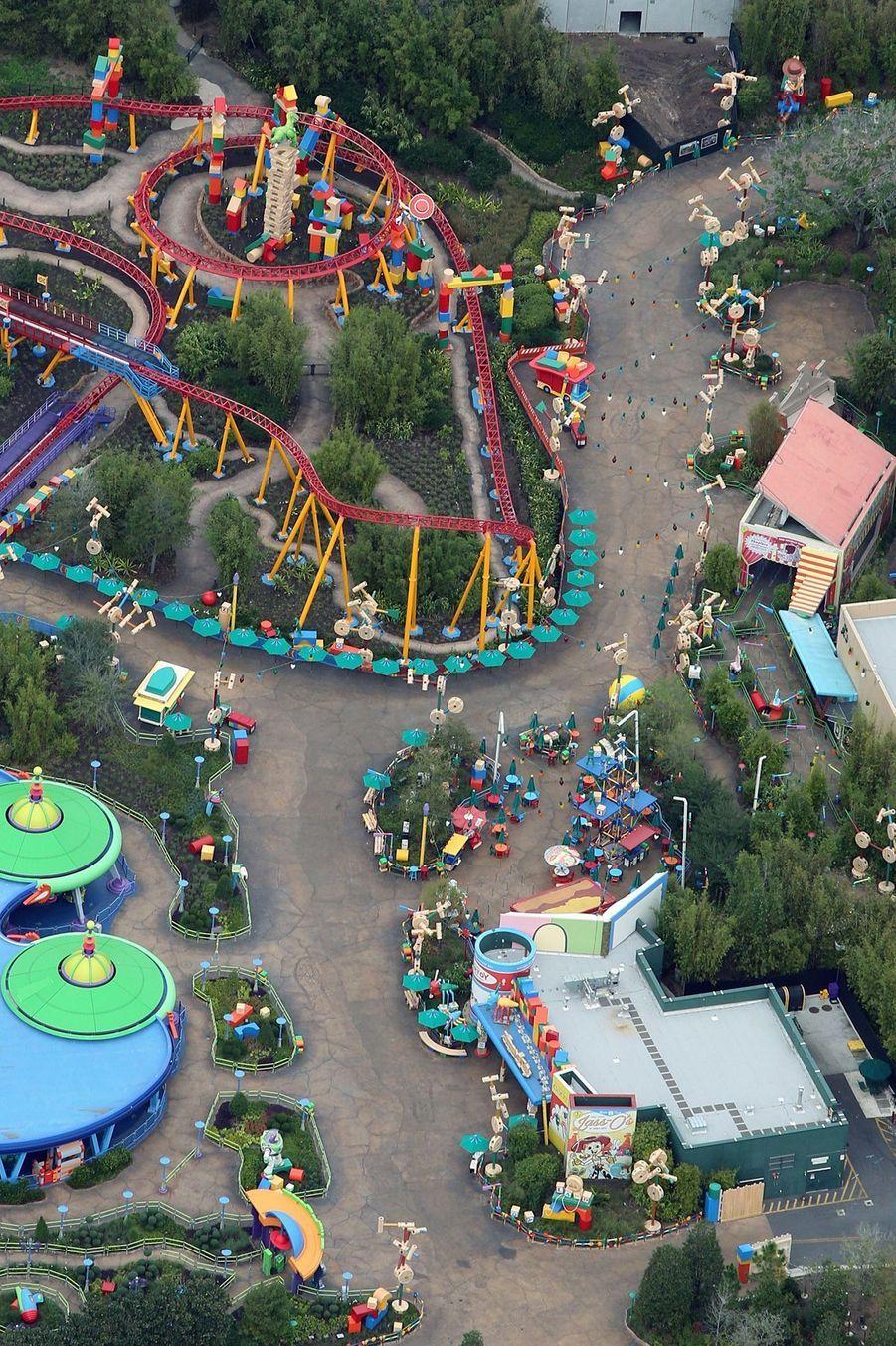Le parc de Disney Orlando pendant l'épidémie de coronavirus.