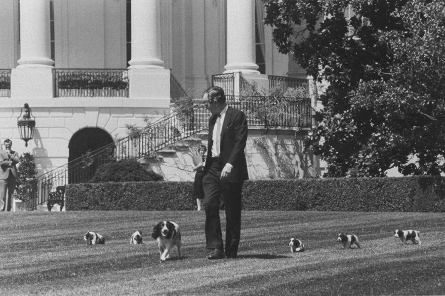 George HW Bush Millie avril 1989