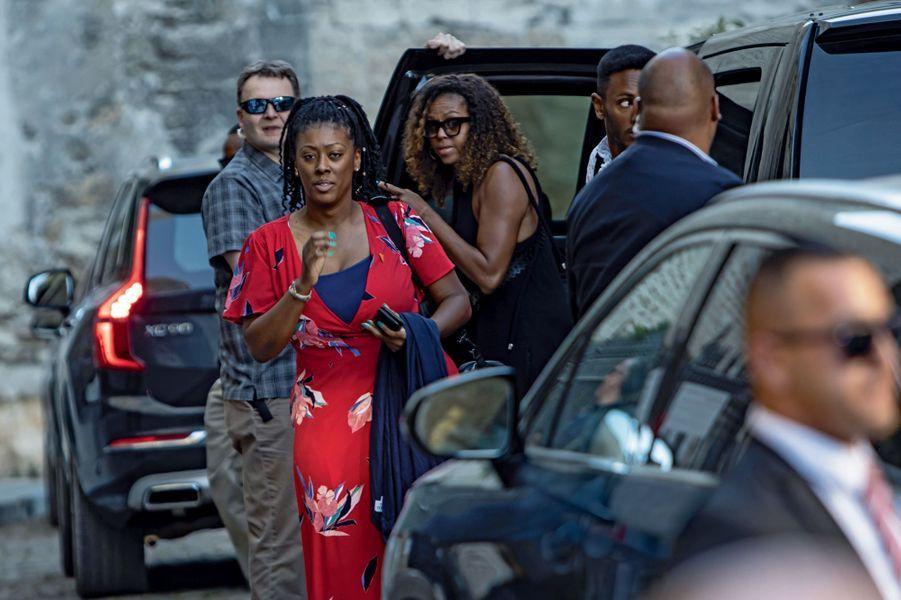 Michelle Obama (lunettes noires), ex-First Lady et reine de Provence