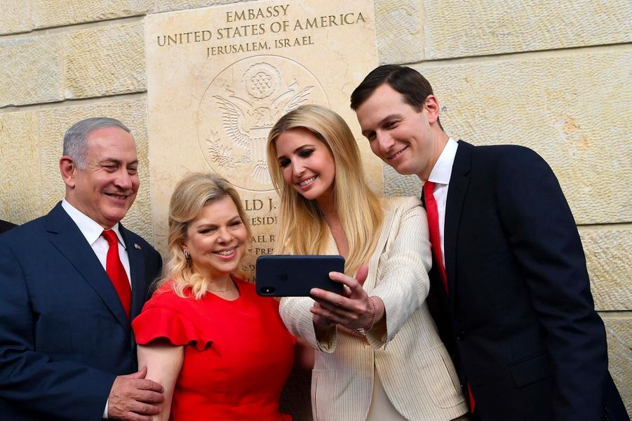 Ivanka Trump et Jared Kushner avec Sara et Benjamin Netanyahou à Jérusalem, le 14 mai 2018.