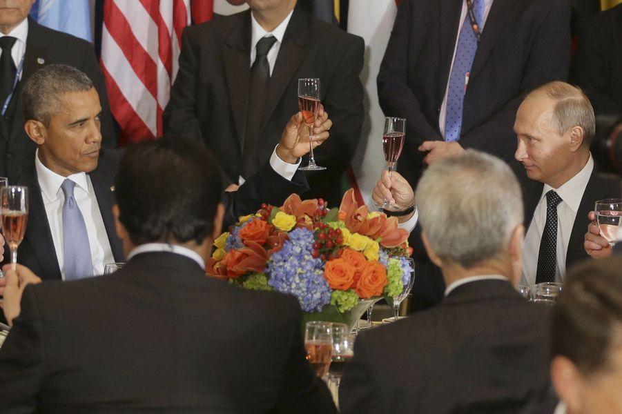 Barack Obama et Vladimir Poutine lors d'un déjeuner en marge de l'Assemblée générale des Nations Unies à New York, le 28 septembre 2015.