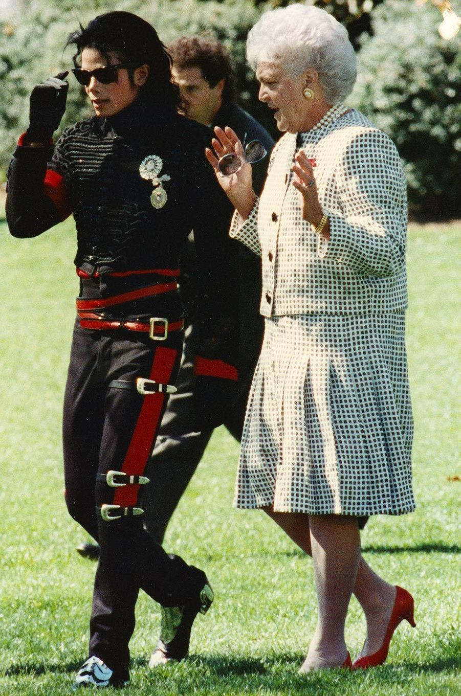 Barbara Bush et Michael Jackson, dans les années 1980.