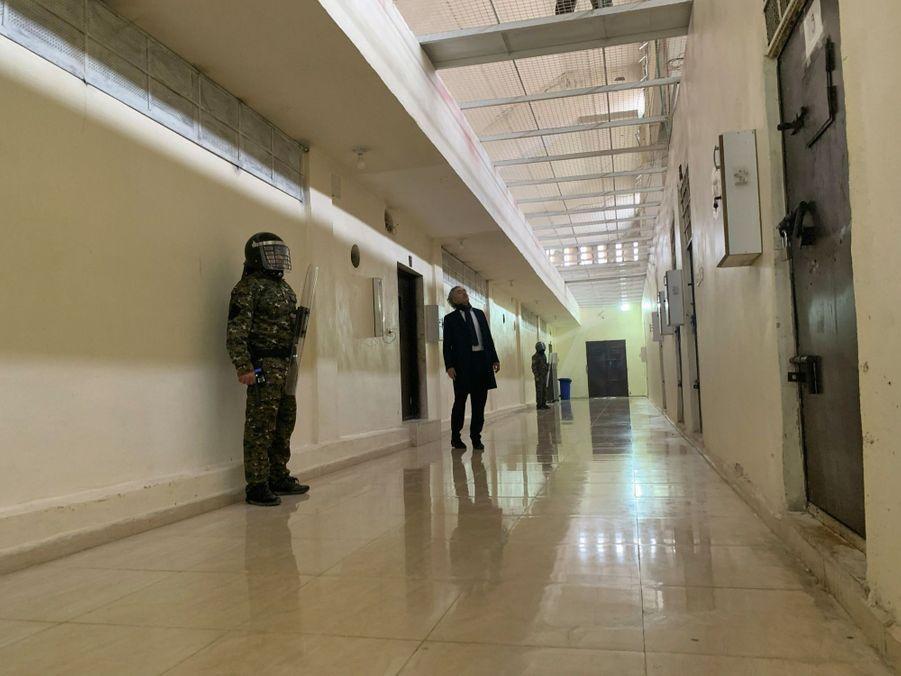 Dans le quartier de haute sécurité de la prison, les soldats du Kurdistan syrien, chargés de surveiller les milliers de prisonniers capturés en 2017 et 2018… et de contenir les assauts turcs.