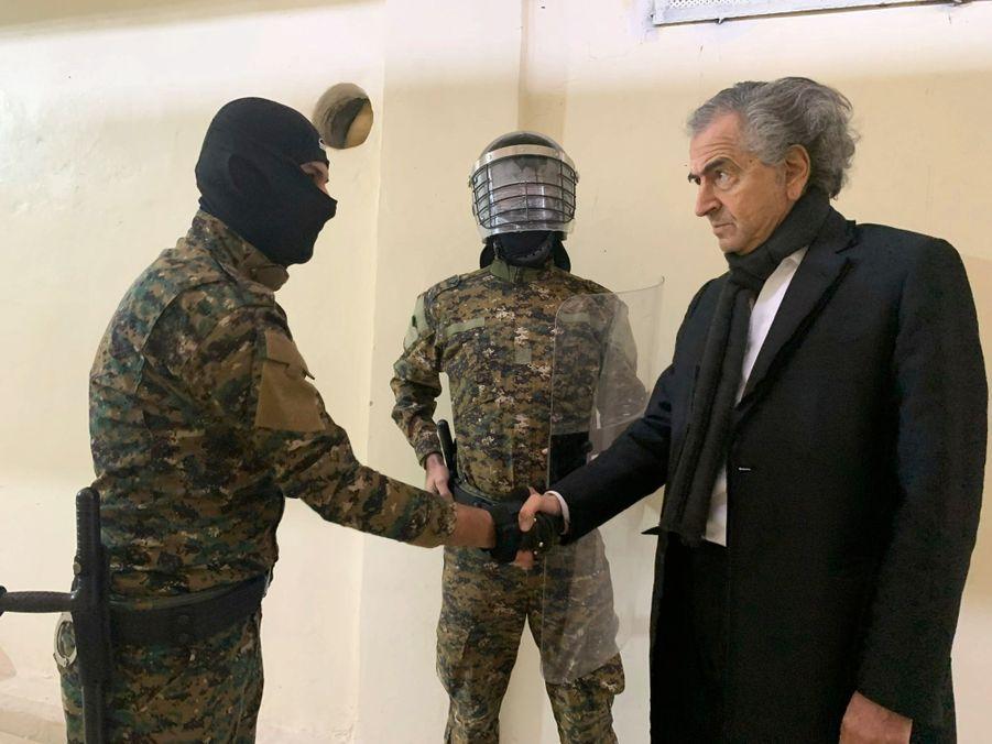 Cinq ans après le tournage de « Peshmerga », son film sur leur lutte contre Daech, BHL a rencontré les combattants kurdes et leurs prisonniers
