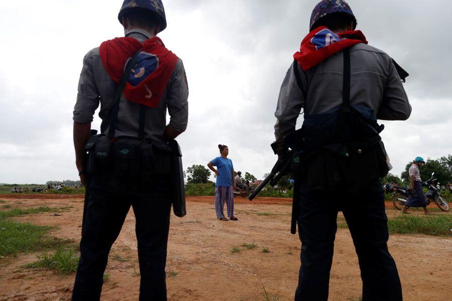 Un bidonville situé en périphérie de la capitale birmane Rangoun a été détruit, le 12 juin 2017.